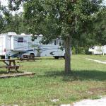 14 Full-Hookup RV Sites (6 Pull-through, 8 Back-in)